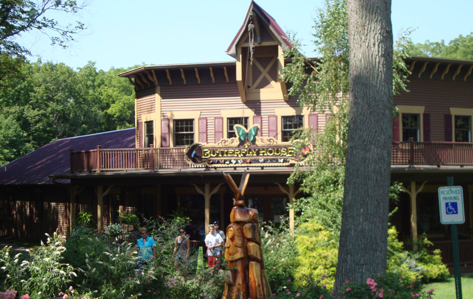 butterfly-house-at-put-in-bay